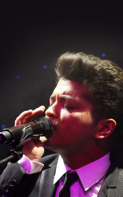 Bruno Mars - Doo-Wops & Hooligans - Album Release Party