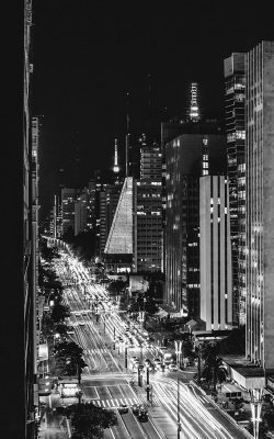 nf07-city-night-view-urban-street-bw-dark