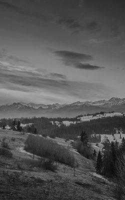 mo94-fall-mountain-nature-sky-tomasz-paciorek-black