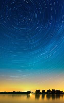 me28-star-gazing-night-on-lake