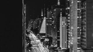 nf07-city-night-view-urban-street-bw-dark