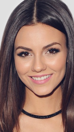 Cover Girl Victoria Justice Hosts Kode Mag Spring Issue Release Party