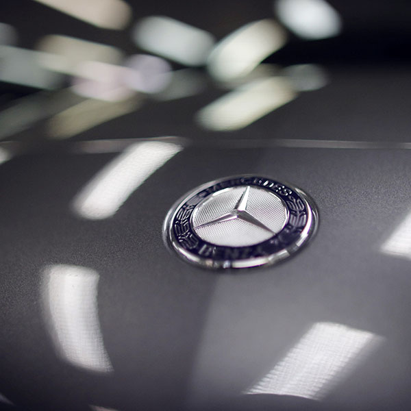 iPapers.co-Apple-iPhone-iPad-Macbook-iMac-wallpaper-aa75-benz-logo-car-art