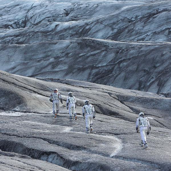 iPapers.co-Apple-iPhone-iPad-Macbook-iMac-wallpaper-ah13-mann-interstellar-space-film-planet-wallpaper