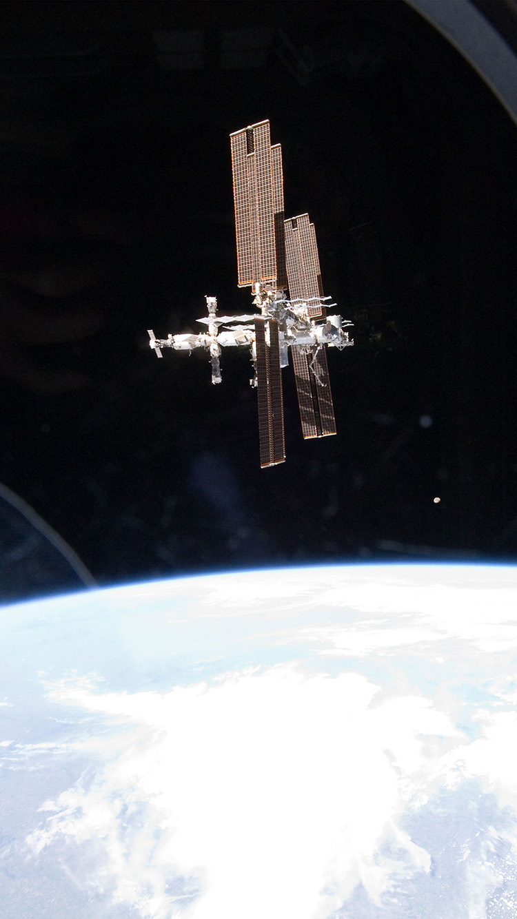 iPhone6papers.co-Apple-iPhone-6-iphone6-plus-wallpaper-ao03-in-space-station-night-earth-view-nature