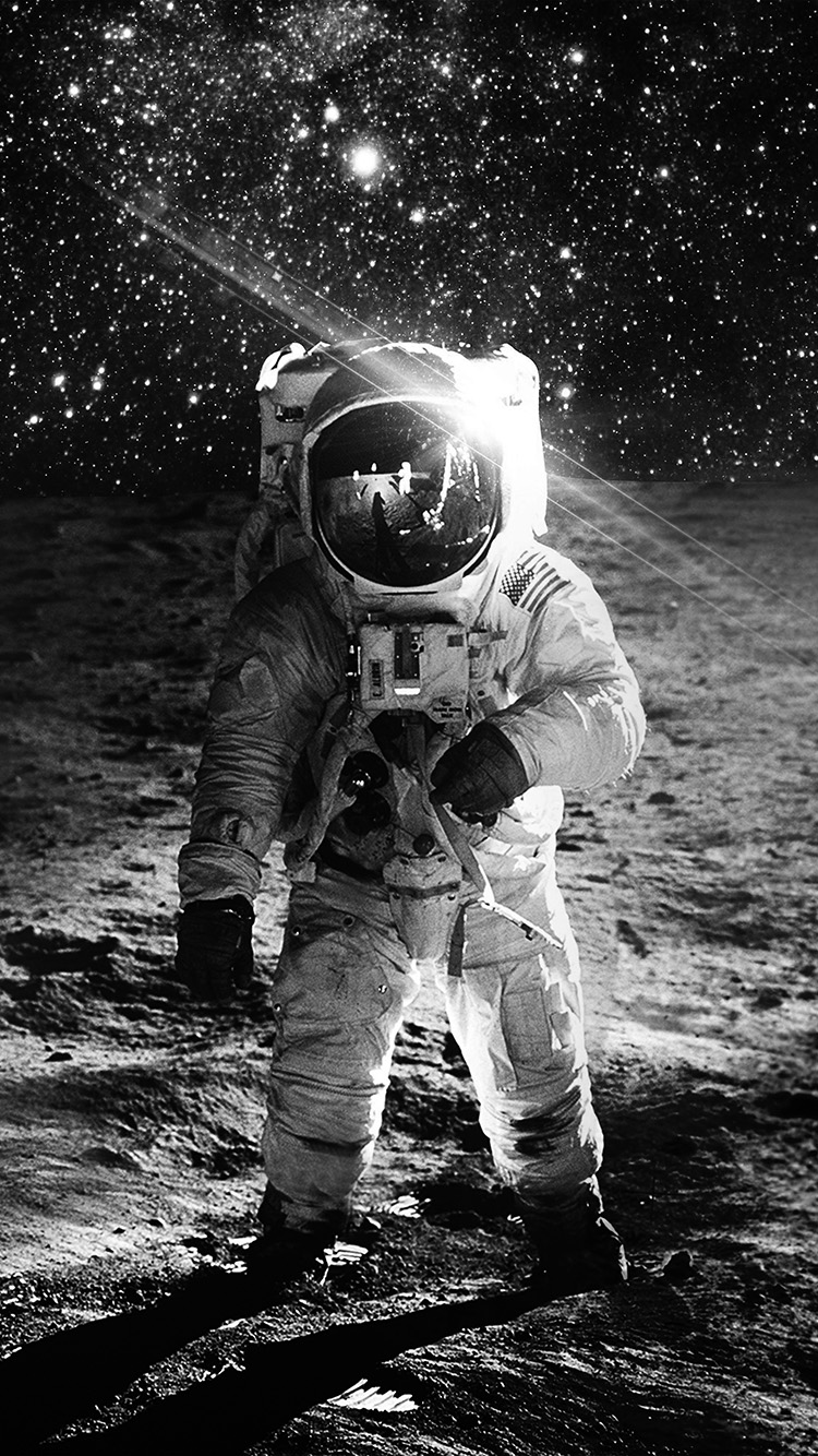 iPhone7papers.com-Apple-iPhone7-iphone7plus-wallpaper-ao98-astronaut-space-art-moon-dark-bw