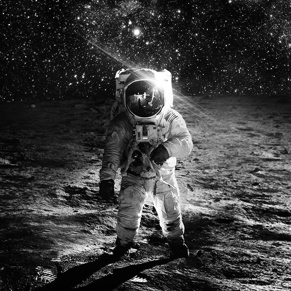 android-wallpaper-ao98-astronaut-space-art-moon-dark-bw-wallpaper