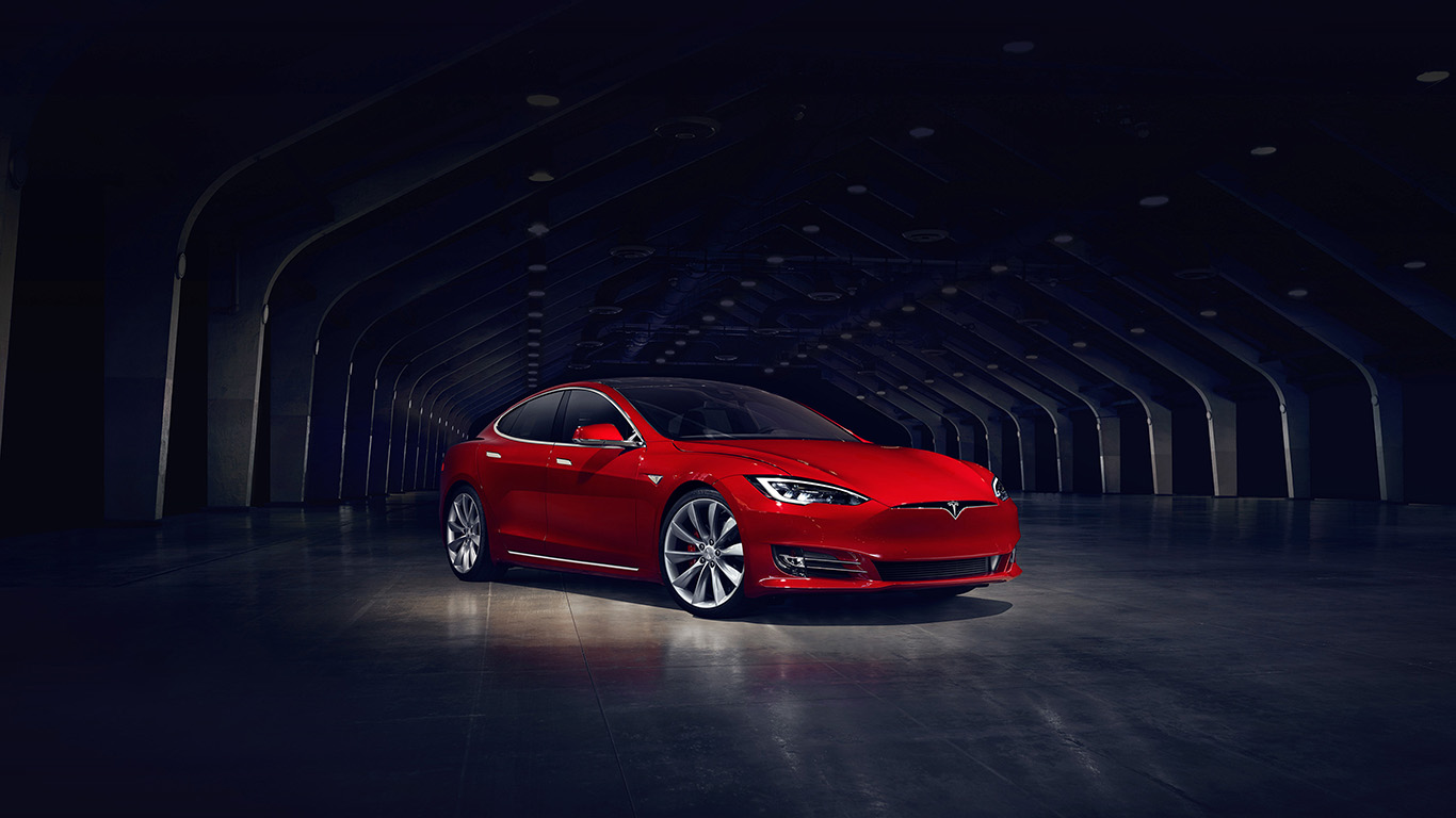 desktop-wallpaper-laptop-mac-macbook-air-aq53-tesla-model-red-car-wallpaper