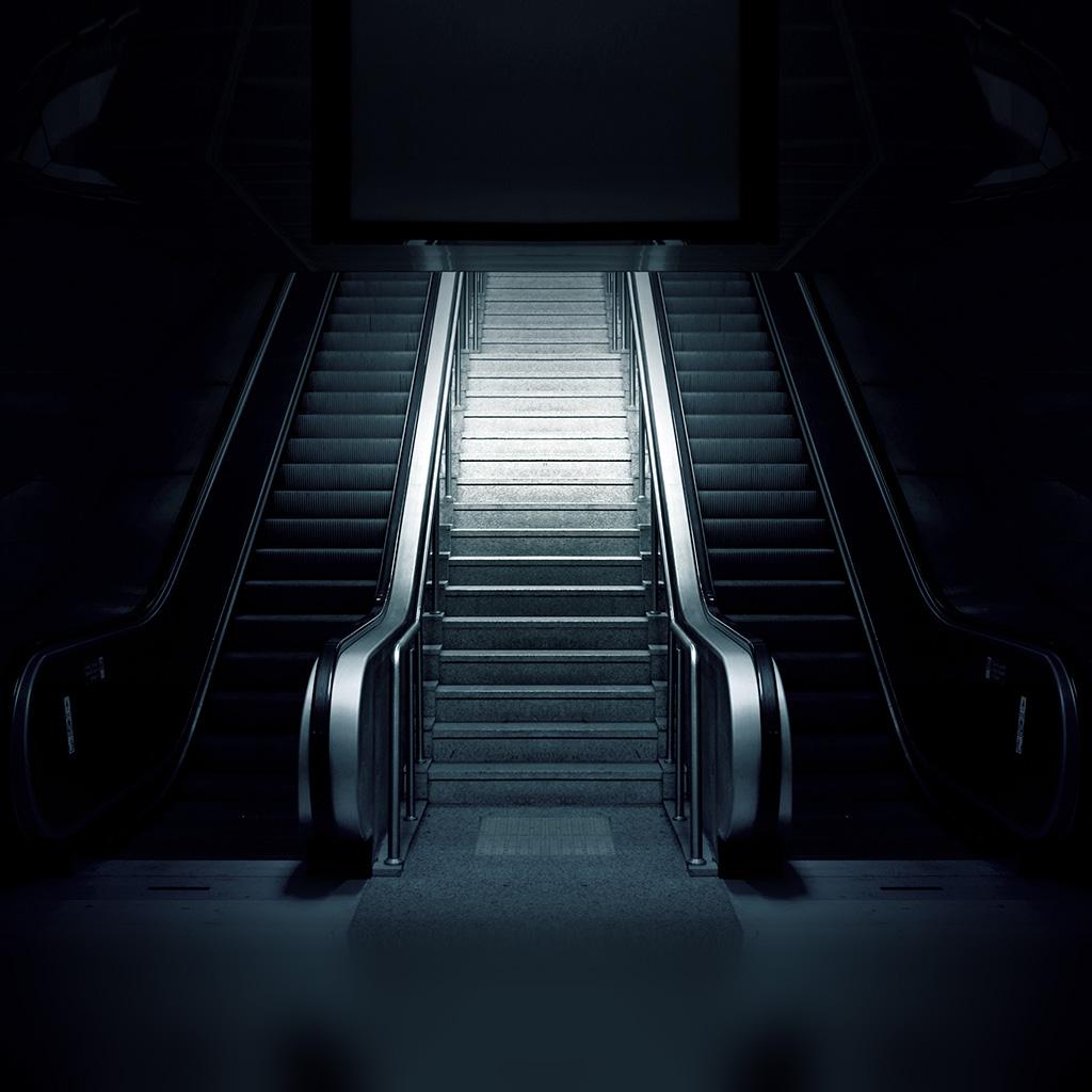 android-wallpaper-aq79-dark-stairs-art-wallpaper