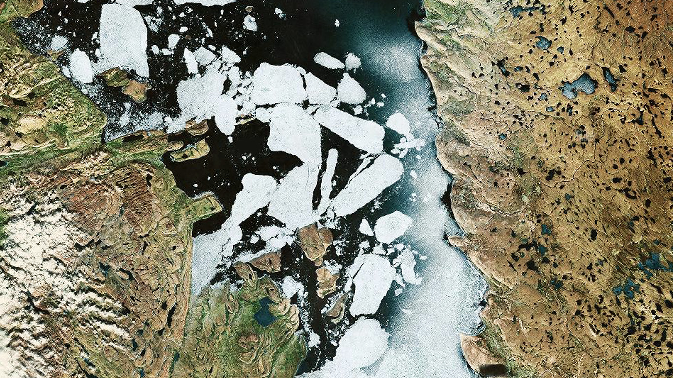 desktop-wallpaper-laptop-mac-macbook-air-as92-earthview-snow-ice-land-space-art-illustration-wallpaper