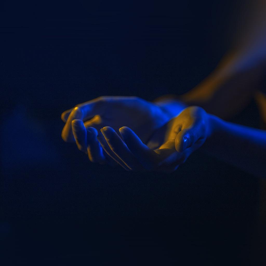 wallpaper-au39-hand-blue-yellow-dark-illustration-art-wallpaper
