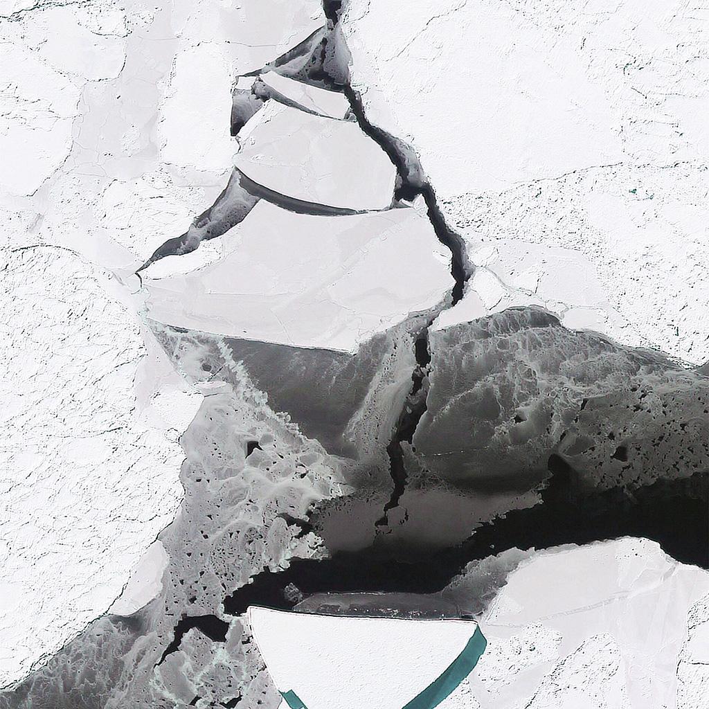 wallpaper-aw37-north-ice-earthview-sea-illustration-art-white-wallpaper