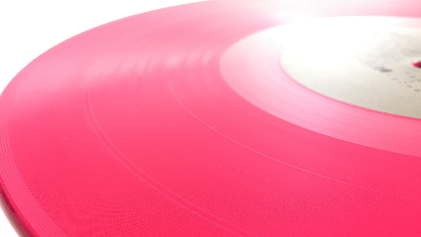 desktop-wallpaper-laptop-mac-macbook-air-aw59-music-red-disc-illustration-art-minimal-wallpaper