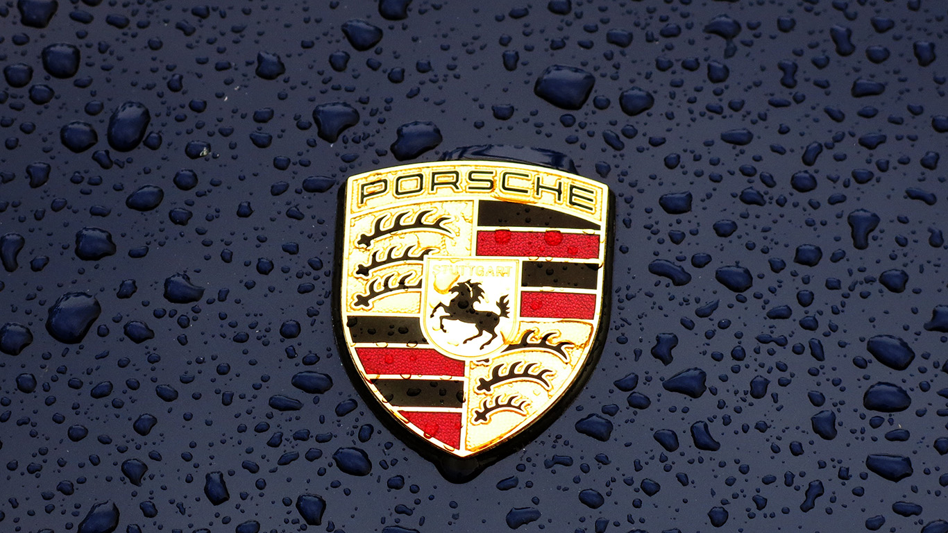 desktop-wallpaper-laptop-mac-macbook-air-ax14-porsche-logo-emblem-car-illustration-art-wallpaper