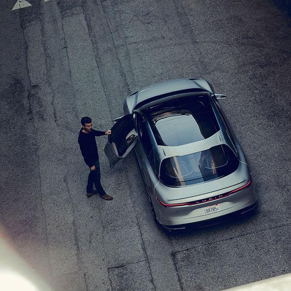 iPapers.co-Apple-iPhone-iPad-Macbook-iMac-wallpaper-ay66-lucid-air-car-drive-street-illustration-art-wallpaper