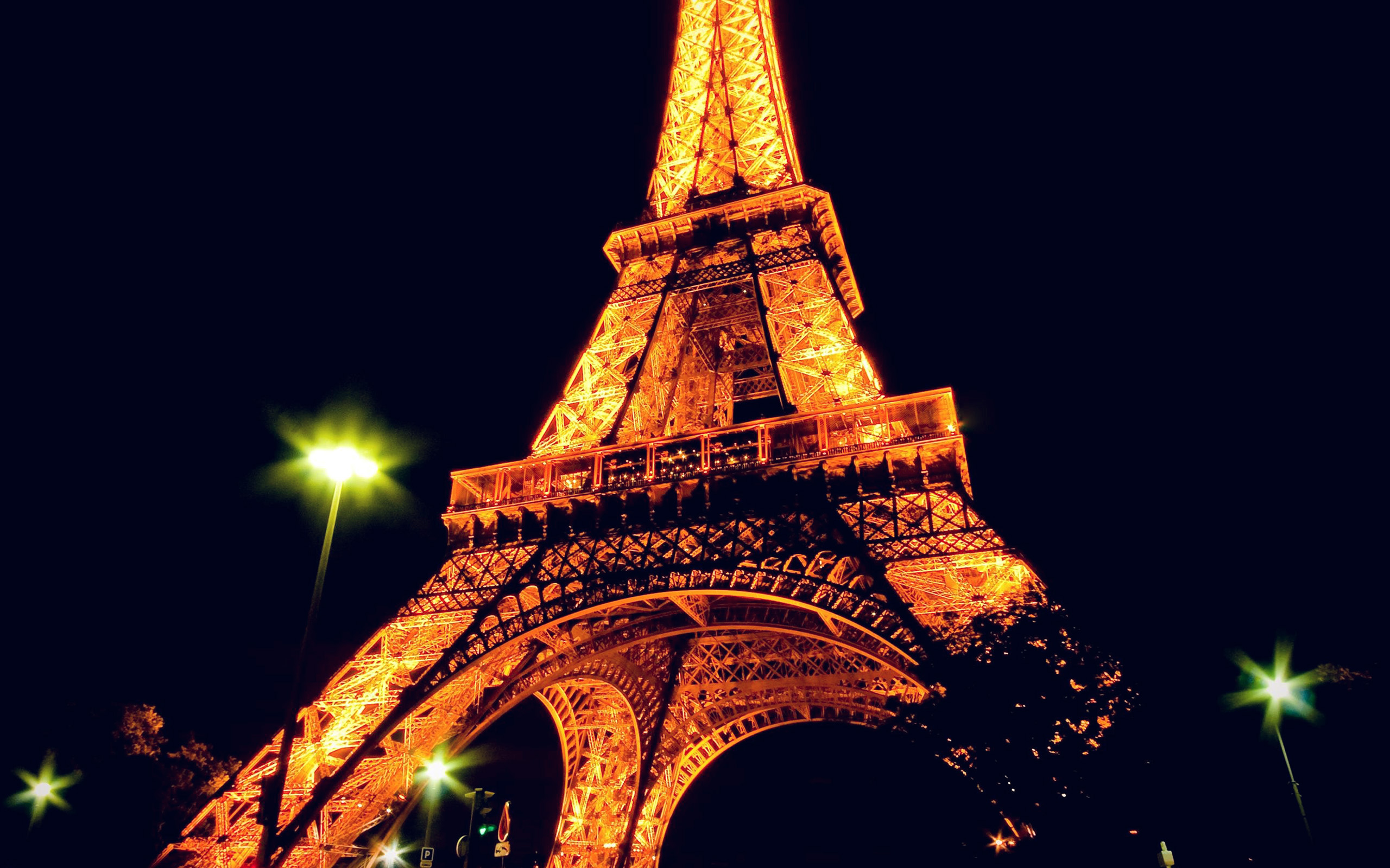 bc23-eiffel-tower-paris-night-art-illustration-wallpaper