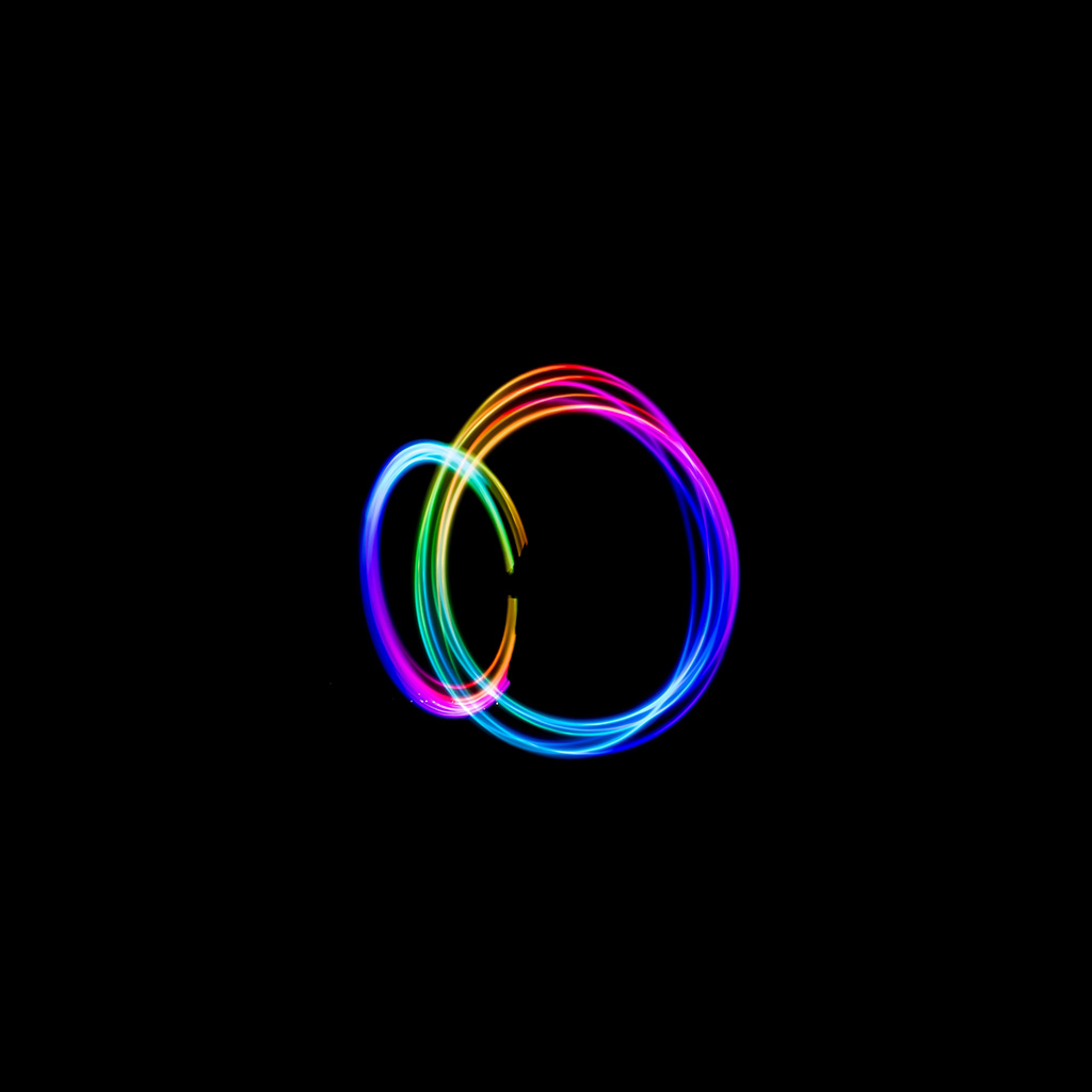 android-wallpaper-bf13-dark-circle-rainbow-art-wallpaper