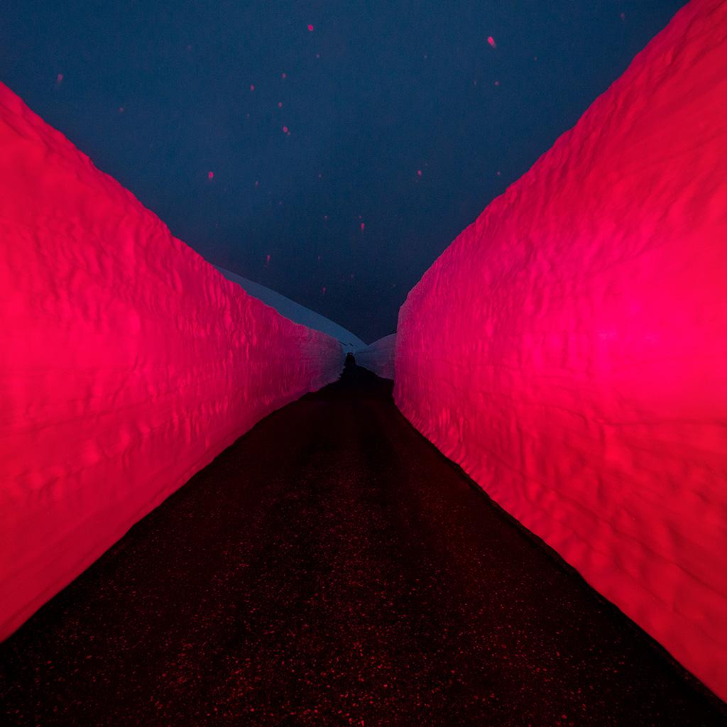 wallpaper-bg84-minimal-winter-red-road-art-wallpaper