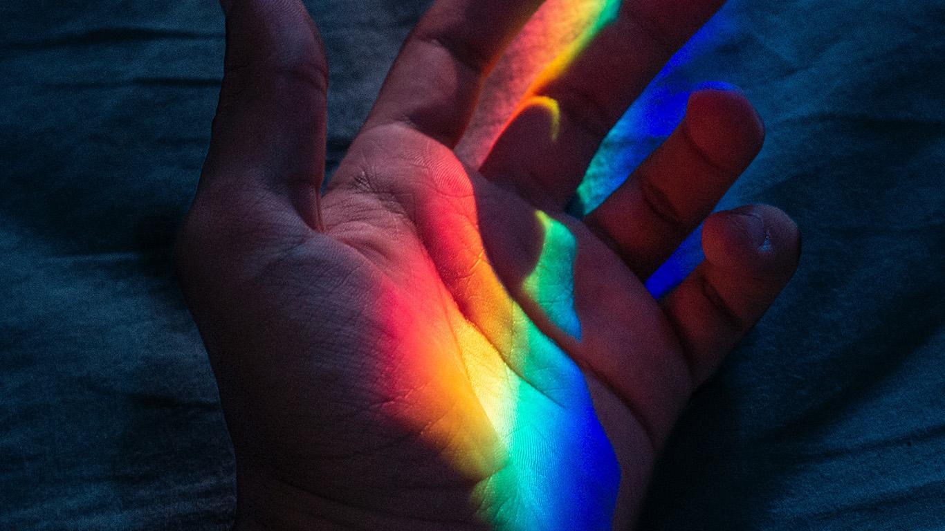 wallpaper-desktop-laptop-mac-macbook-bj46-hand-rainbow-art