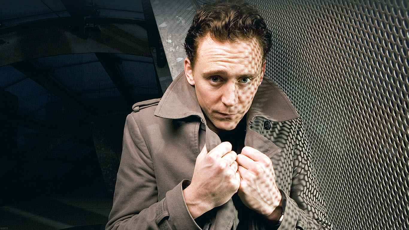 iPapers.co-Apple-iPhone-iPad-Macbook-iMac-wallpaper-ha11-tom-hiddleston-cold-film-face