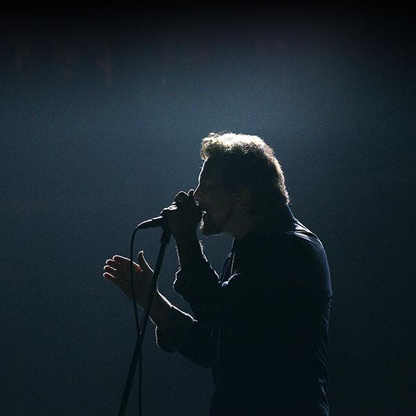 iPapers.co-Apple-iPhone-iPad-Macbook-iMac-wallpaper-ha37-pearl-jam-singing-music-face