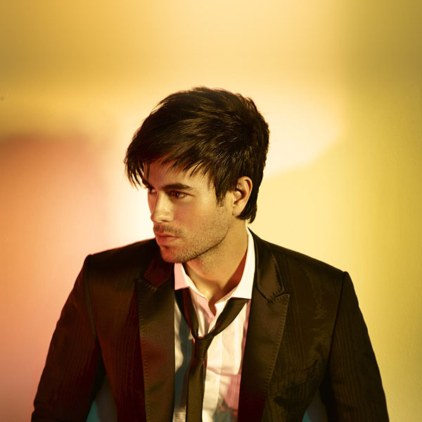 iPapers.co-Apple-iPhone-iPad-Macbook-iMac-wallpaper-ha56-wallpaper-enrique-iglesias-yellows-music-face