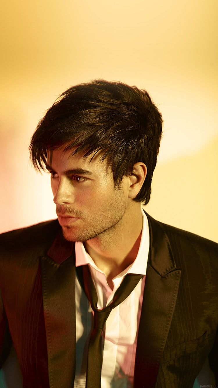 iPhonepapers.com-Apple-iPhone8-wallpaper-ha56-wallpaper-enrique-iglesias-yellows-music-face