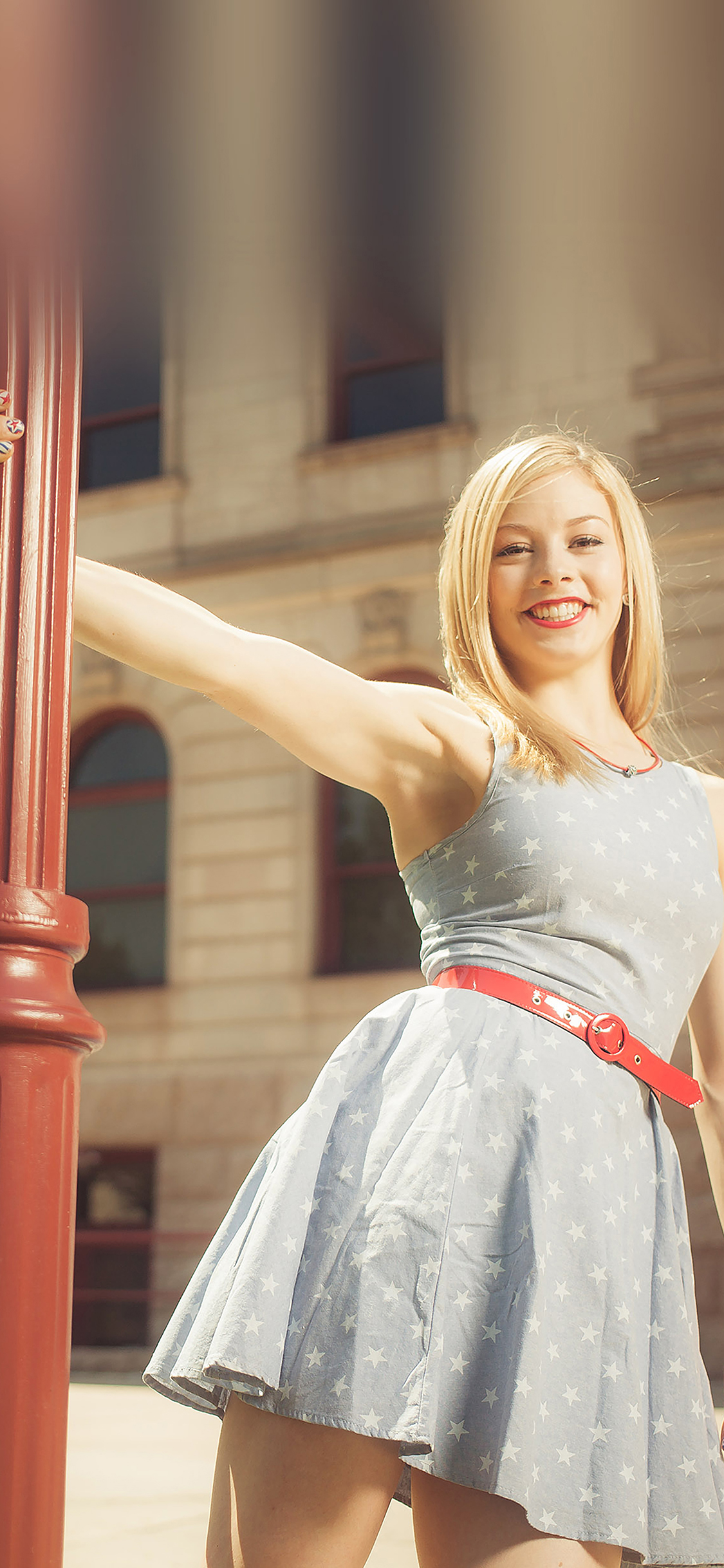 iPhoneXpapers.com-Apple-iPhone-wallpaper-ha59-wallpaper-gracie-gold-street-sports-girl-face