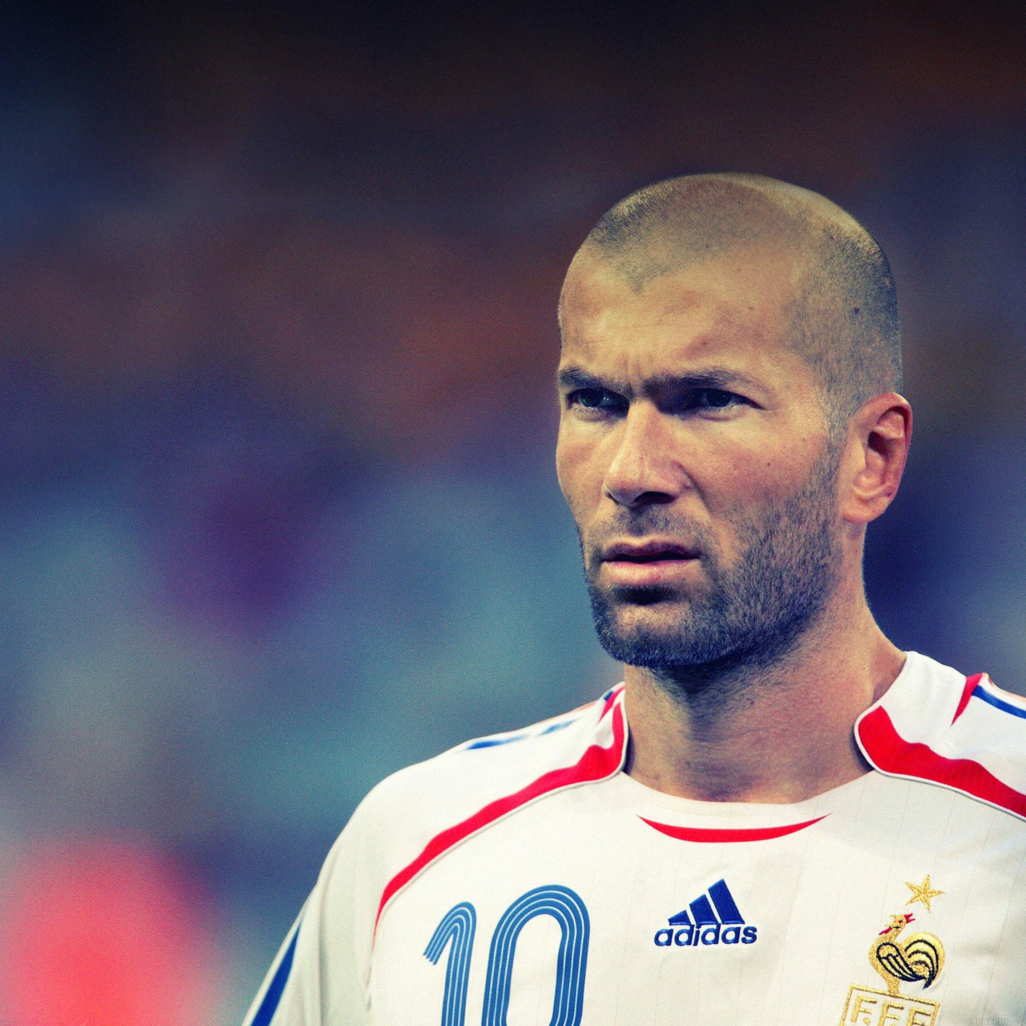 Ha75-wallpaper-zidane-soccer-star-sports