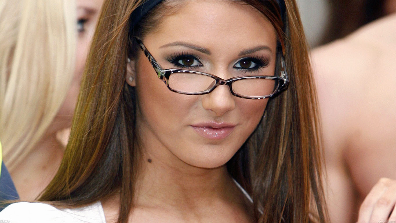 iPapers.co-Apple-iPhone-iPad-Macbook-iMac-wallpaper-hb08-wallpaper-lucy-pinder-sexy-woman