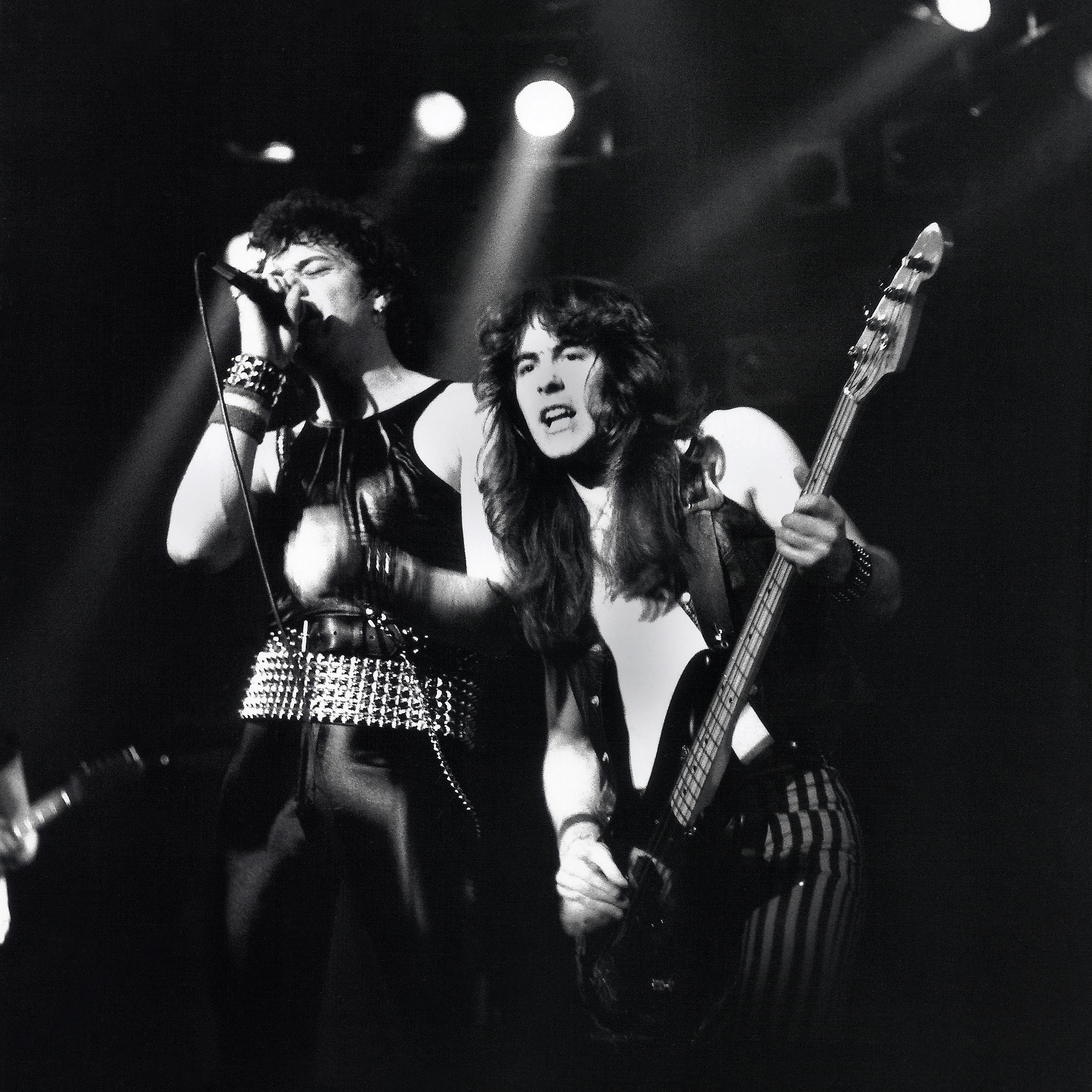 Wallpaper Iphone Iron Maiden: Hb27-wallpaper-iron-maiden-1980-manchester-music