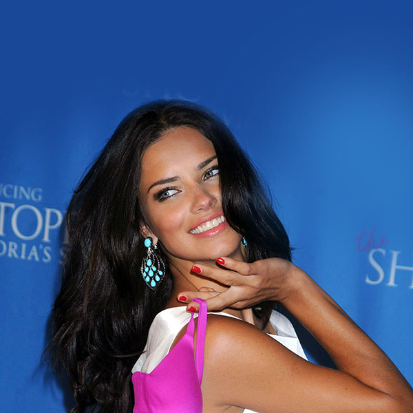 iPapers.co-Apple-iPhone-iPad-Macbook-iMac-wallpaper-hb29-wallpaper-adriana-lima-shiny-sexy-woman