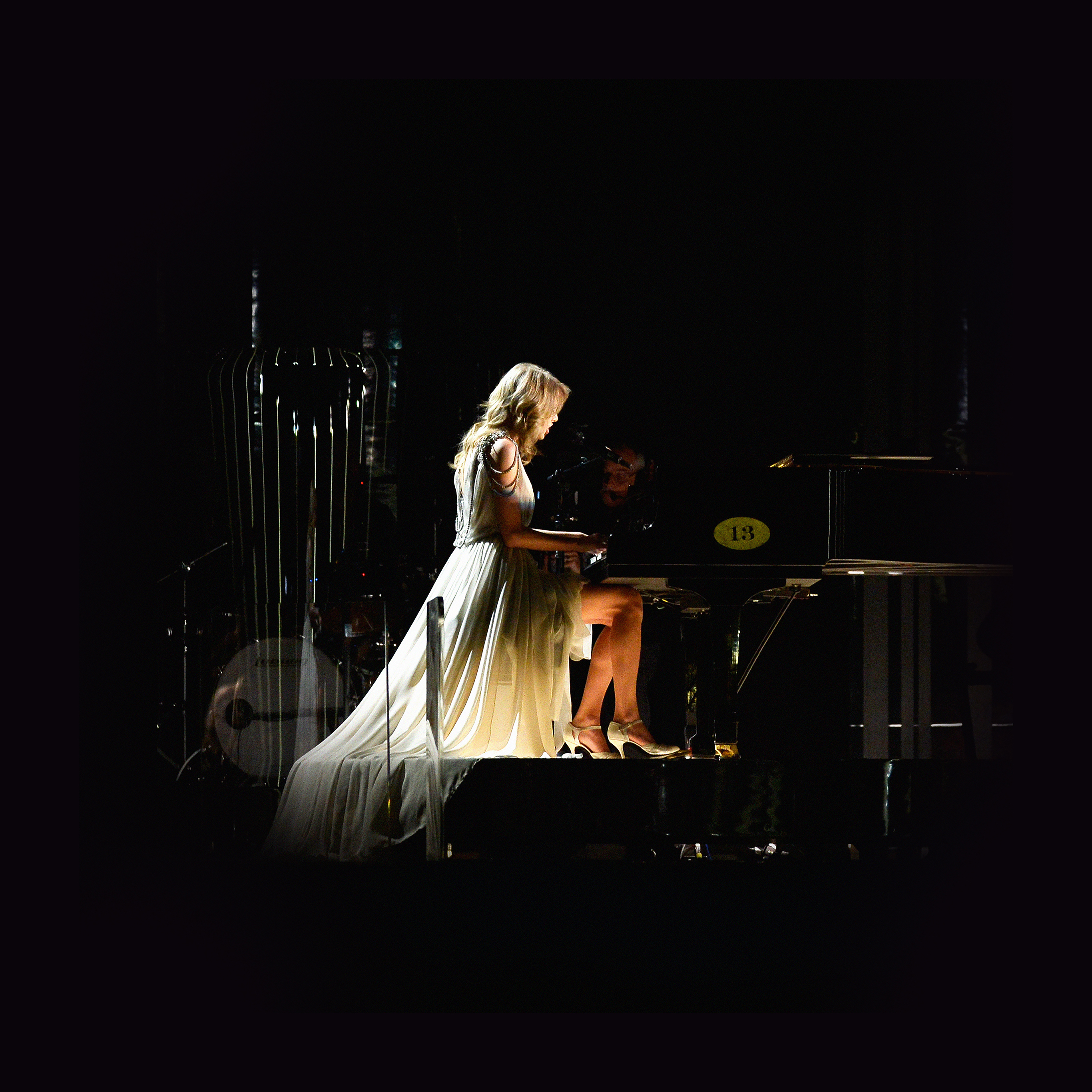 hb40-wallpaper-taylor-swift-piano-concert-woman-music ...