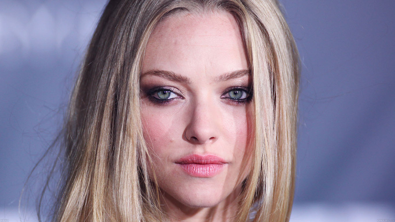 iPapers.co-Apple-iPhone-iPad-Macbook-iMac-wallpaper-hb61-amanda-seyfried-watching