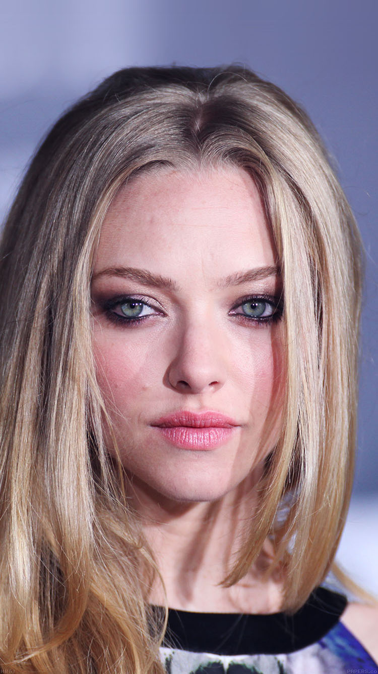 iPhonepapers.com-Apple-iPhone8-wallpaper-hb61-amanda-seyfried-watching