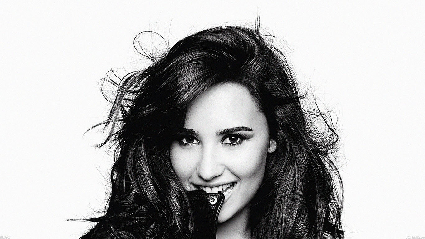 wallpaper-desktop-laptop-mac-macbook-hb68-demi-lovato-in-bw-wallpaper