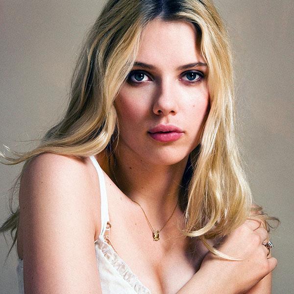 iPapers.co-Apple-iPhone-iPad-Macbook-iMac-wallpaper-hb82-scarlett-johansson-sexy-actress-star