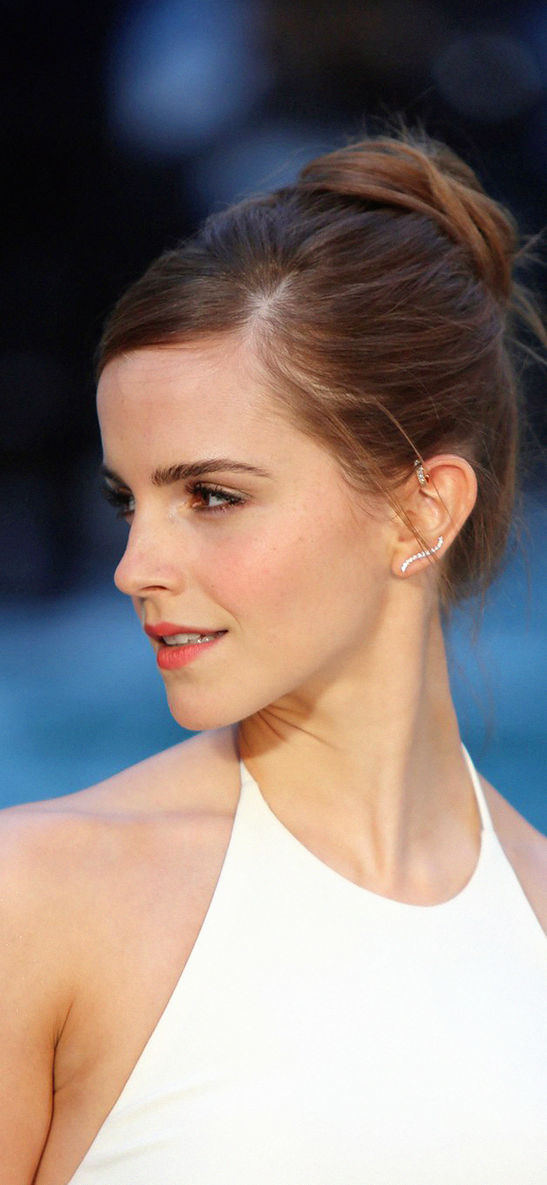 hb93-emma-watson-in-white-dress - Papers.co