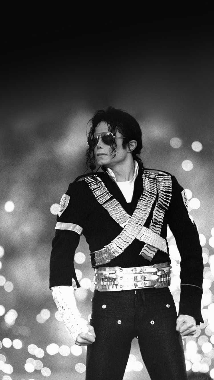 iPhonepapers.com-Apple-iPhone8-wallpaper-hc09-michael-jackson-bw-concert-king-of-pop