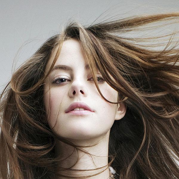 iPapers.co-Apple-iPhone-iPad-Macbook-iMac-wallpaper-hc18-kaya-scodelario-actress-sexy-hair