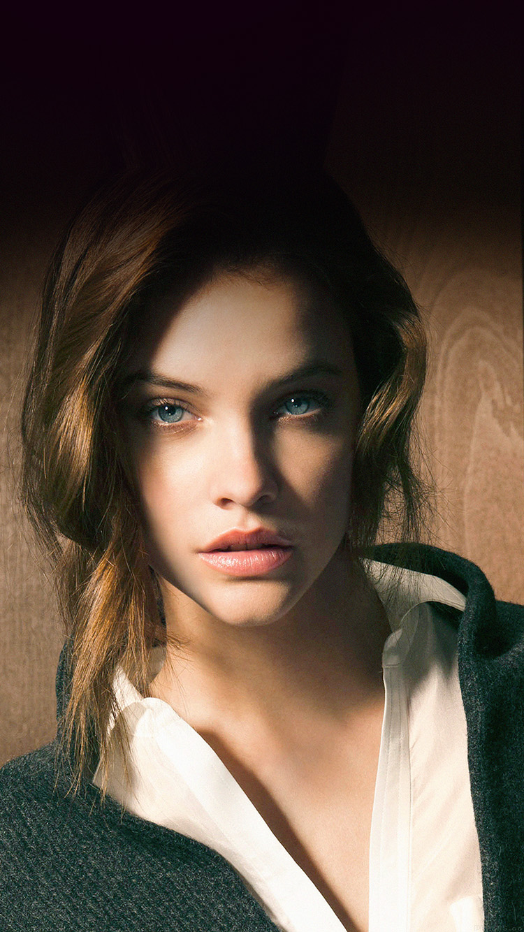 iPhone6papers.co-Apple-iPhone-6-iphone6-plus-wallpaper-hc81-barbara-palvin-staring-you-natural-sexy-girl-model