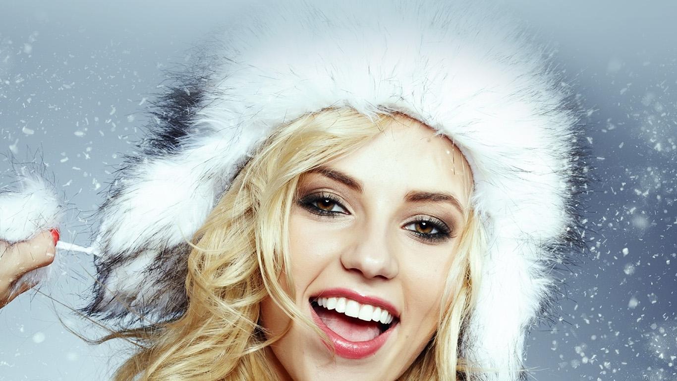 iPapers.co-Apple-iPhone-iPad-Macbook-iMac-wallpaper-hd13-christmas-snow-with-model-wallpaper