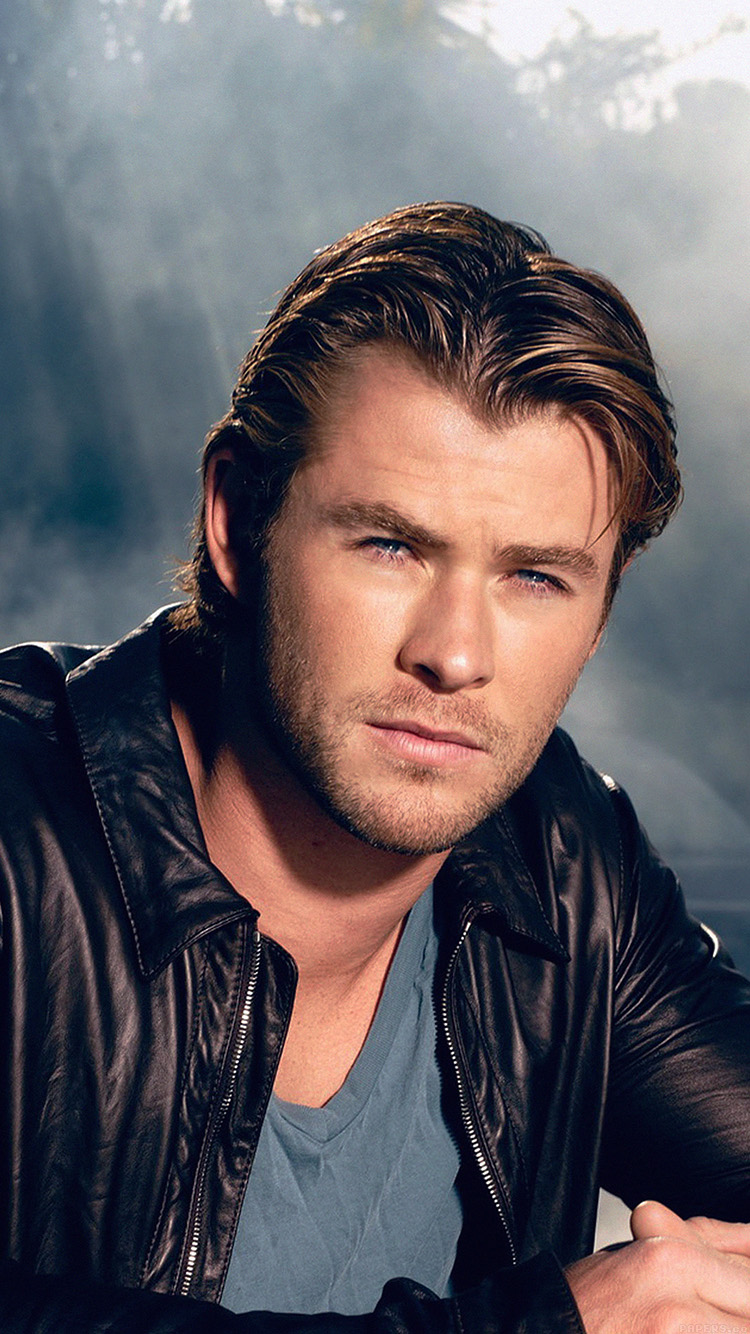 iPhone6papers.co-Apple-iPhone-6-iphone6-plus-wallpaper-hd24-chris-hemsworth-handsome-boy-actor