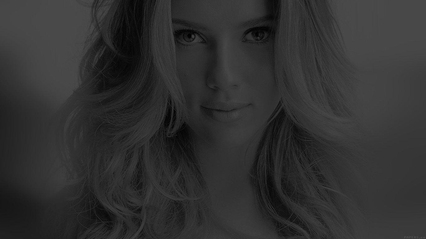 desktop-wallpaper-laptop-mac-macbook-airhd35-scarlett-johansson-smile-dark-sexy-celebrity-wallpaper