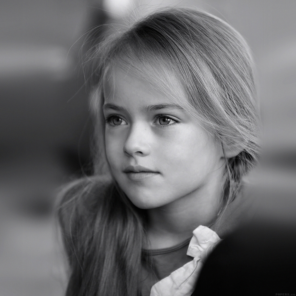 Sweet Girls Wallpaper: Hd74-kristina-pimenova-cute-girl-model-bw-dark
