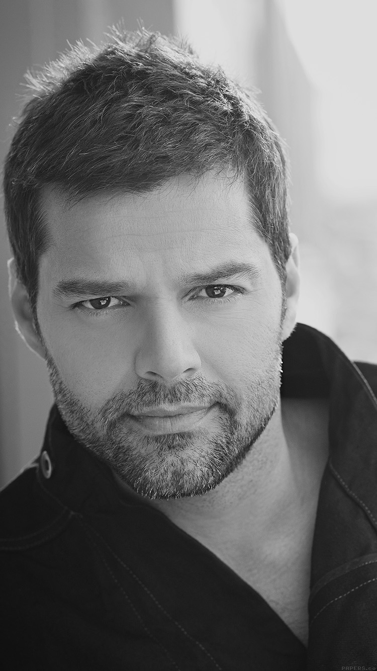 iPhonepapers.com-Apple-iPhone8-wallpaper-he04-ricky-martin-music-artist-singer-celebrity-dark-bw