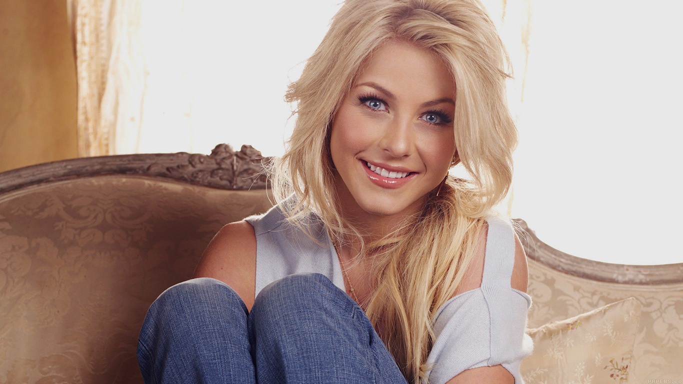 desktop-wallpaper-laptop-mac-macbook-airhe43-julianne-hough-dancer-celebrity-wallpaper