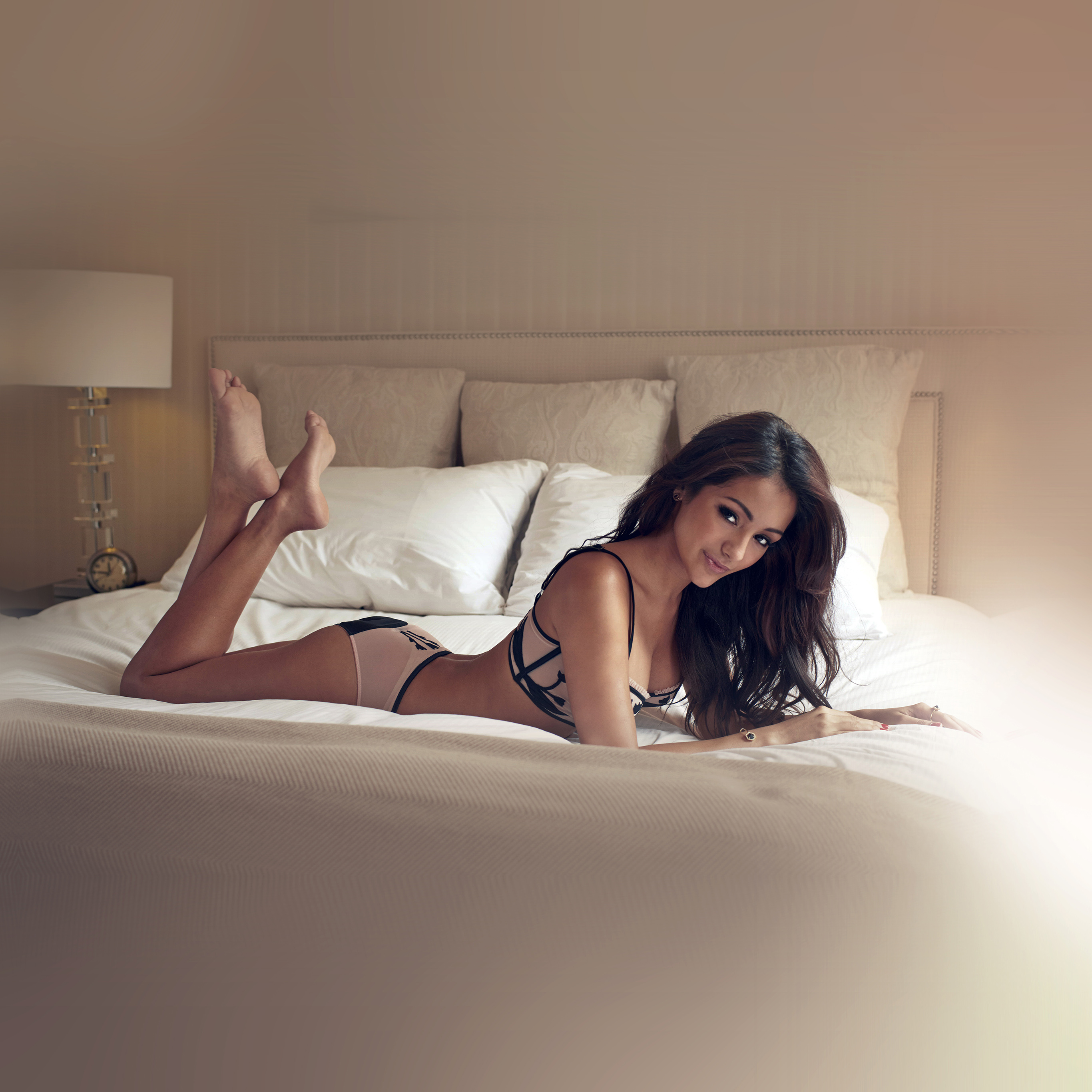 Papers Co Android Wallpaper Hf76 Melanie Iglesias Sexy Model Bed
