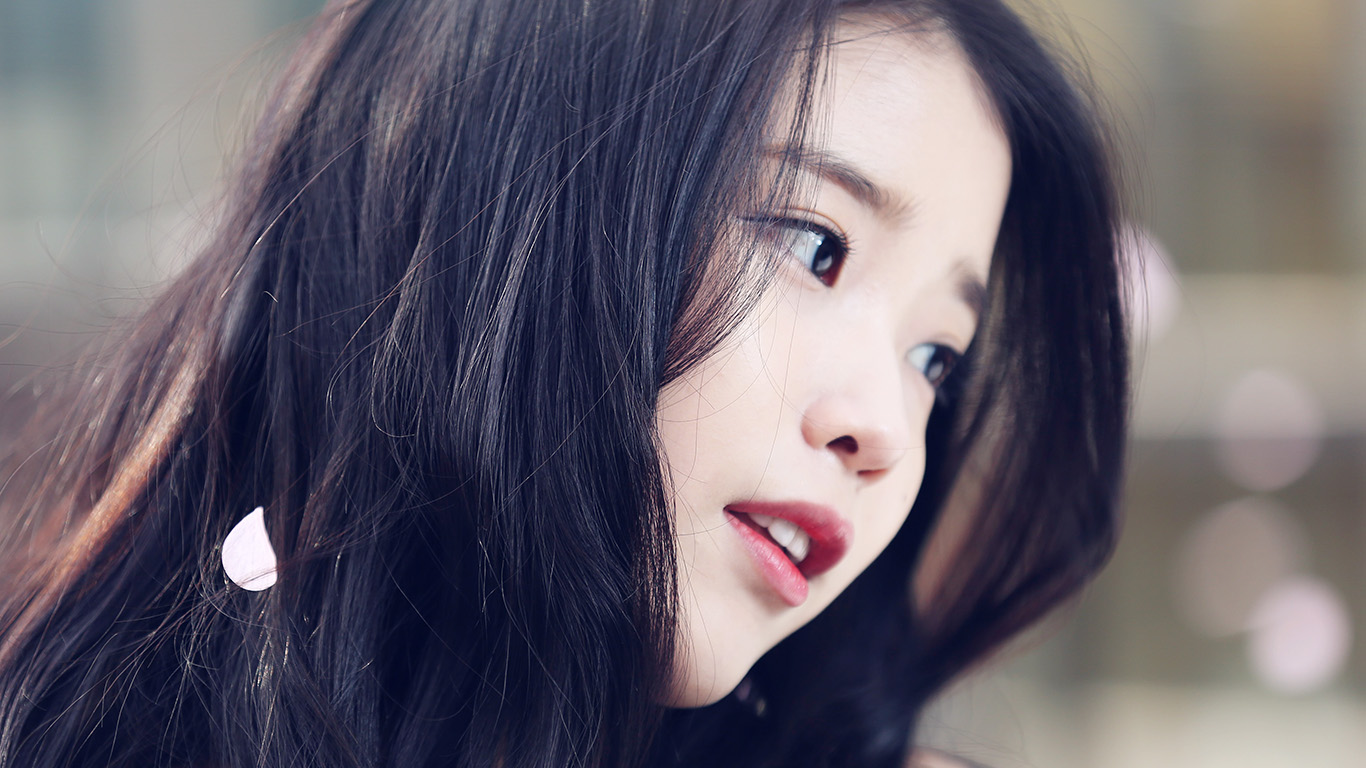 desktop-wallpaper-laptop-mac-macbook-airhf77-iu-kpop-beauty-girl-singer-wallpaper