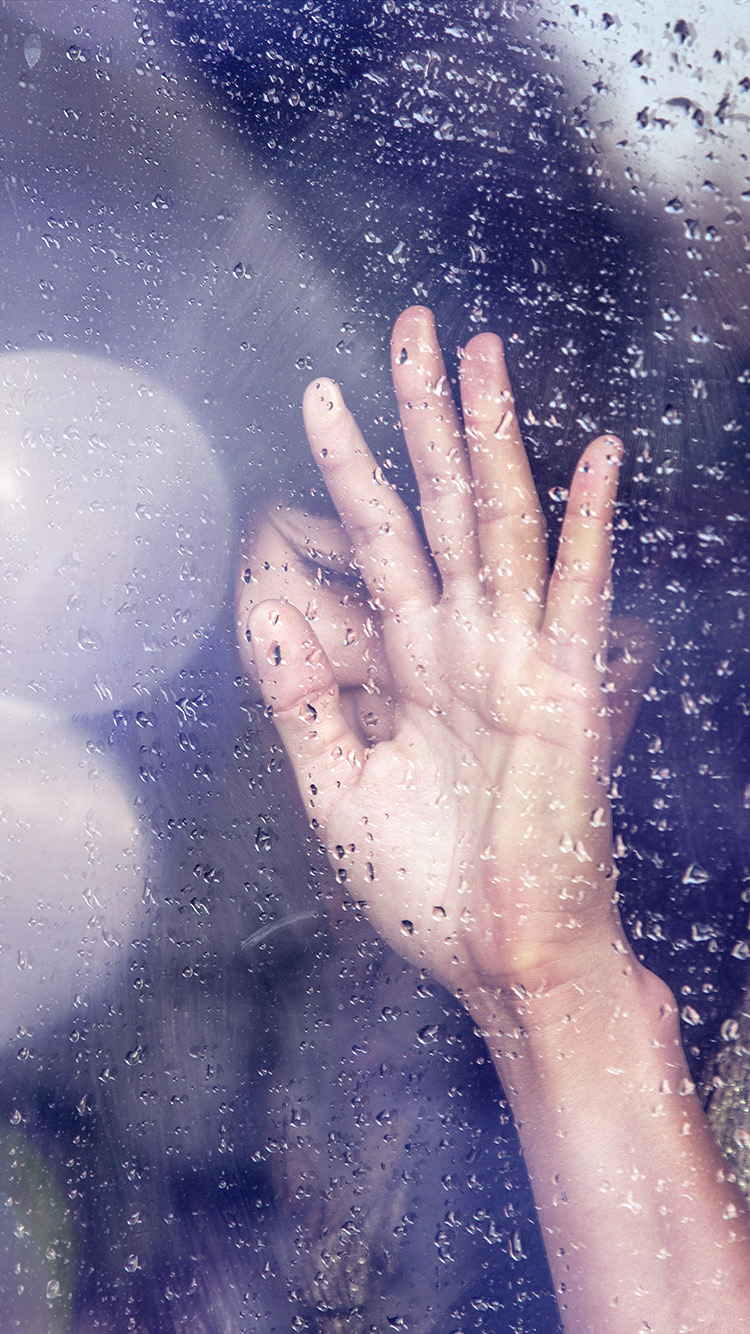 Papers.co-iPhone5-iphone6-plus-wallpaper-hf88-rain-girl-shy-asian-nature-hand-flare